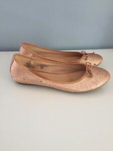 Size 7 gold sparkly ballet flats Kitchener / Waterloo Kitchener Area image 2