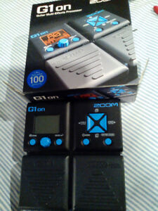 G109 ZOOM PEDAL WITH 100 PRE SETS AND A DRUM MACHINE