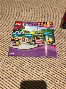 LEGO friends COMPLETE vet set!! Every piece included!