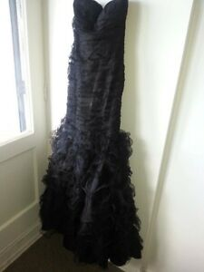 BCBG Evening Prom Dress/ Robe de soiree ou bal