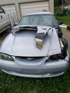 1994 Ford Mustang gt Coupe (2 door)