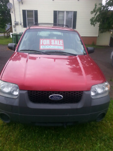2005 Ford escape 4x4 inspected 800 obo drive away in