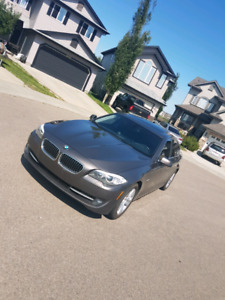 2011 bmw 5 SERIES LOW MILEAGE - DON'T MISS THIS DEAL