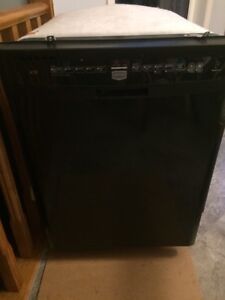Maytag dishwasher in excellent condition