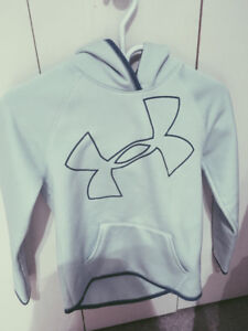 Girls Under Armour almost new hoodie!!!