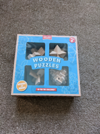 Pack of 4 wooden puzzle