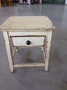 Antique distressed end table London Ontario image 1