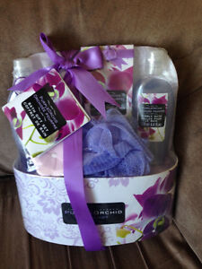 Purple orchid gift basket (bath set)