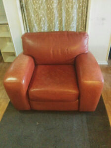 Fauteuil en cuire brun / Brown leather armchair