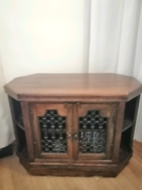 Solid wood tv stand excellent condition