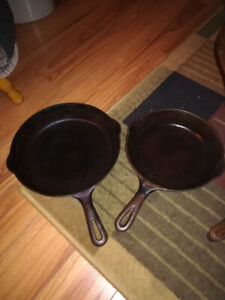 704 Griswold 9 in. vintage cast iron skillet Erie. Pa
