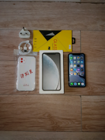 Iphone XR Bundle Unlocked 64GB White I Phone X R Ten