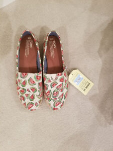 Toms Women Shoes (Brand New)