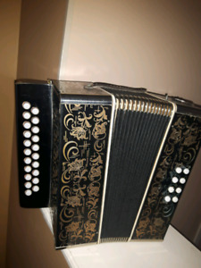 GERMAN **DIATONIC ACCORDION ********