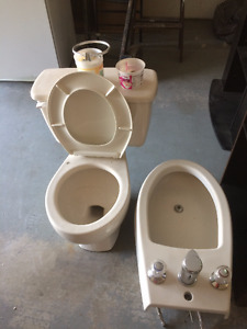 Used Bathtub, toilet and bidet! ***Super Cheap Package deal***