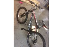 Gt aggressor hydraulic brakes mountain bike not carrera trek fuji cannondale giant