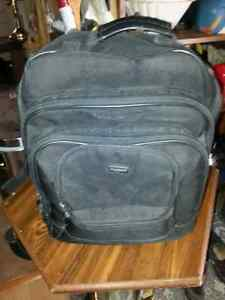 U.S LUGGAGE BACK-PACK IN GOOD COND WITH SPOT FOR LAP-TOP