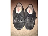 Free split sole dance shoes