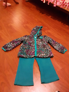 Little girls size 2t outfits