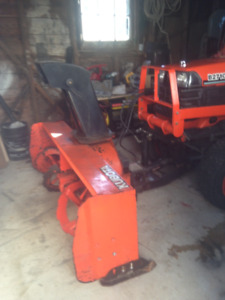 2004 Kubota B2710 diesel Tractor with 63 inch snowblower