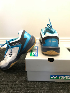 Yonex Youth Badminton Shoes Size 6