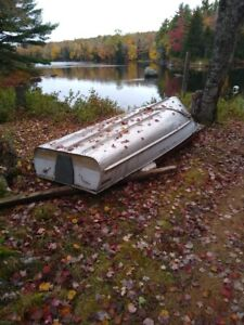 12 Foot Aluminum Boat for Sale $500