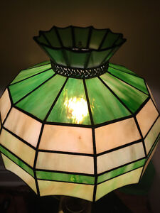 Stained glass Tiffany style table lamp London Ontario image 5