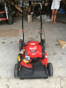 *NEW NEVER USED - Troy-Bilt Tri-action Self-Propelled