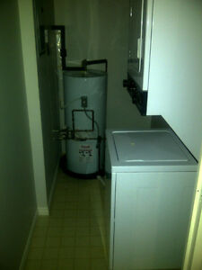 $980+ Utilities (Hydro) 55 Green Valley Drive, 1BR-820 Sq.Ft Kitchener / Waterloo Kitchener Area image 4