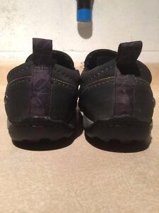 Women's Merrell Slip-On Shoes Size 10 London Ontario image 2