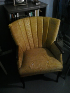 Wing Back Chair with Arms