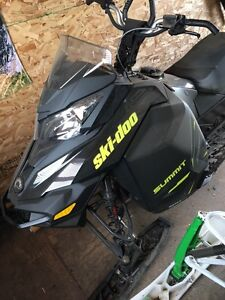 2014 summit X 154 E TEC 800 like new 500km