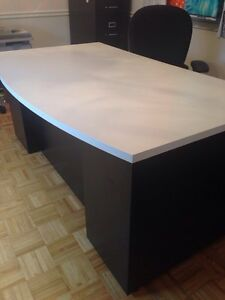 Black and white office desk table drawers 6ft long West Island Greater Montréal image 1