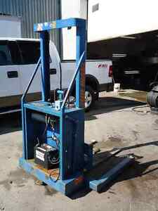 Blue Giant Hydraulic Lift