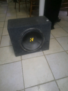 Kicker subwoofer 19inch great condition