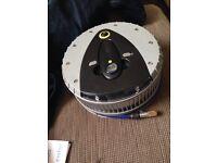 Car tyre inflator and pressure gauge