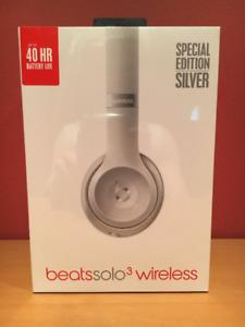 Beats Solo3 Wireless On-Ear Headphones - Silver (Unopened)