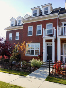 ADORABLE 2 Bed 4 Bath Townhouse CONDO in GRIESBACH!!