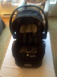 Siège d'auto pour bébé Evenflo - Première étape