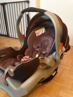 GRACO SNUGRIDE 35 CAR SEAT AND EXTRAS