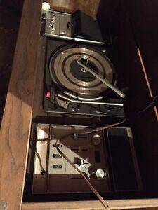 Old record player  Strathcona County Edmonton Area image 2