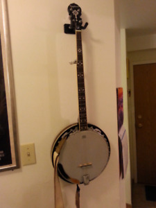 Epiphone 5 string banjo with case mint condition