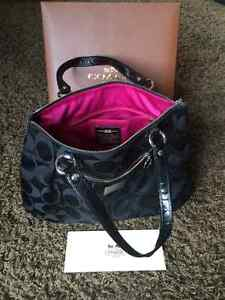 Authentic Coach purse- never been used London Ontario image 4