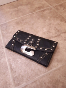Guess wallet  $5