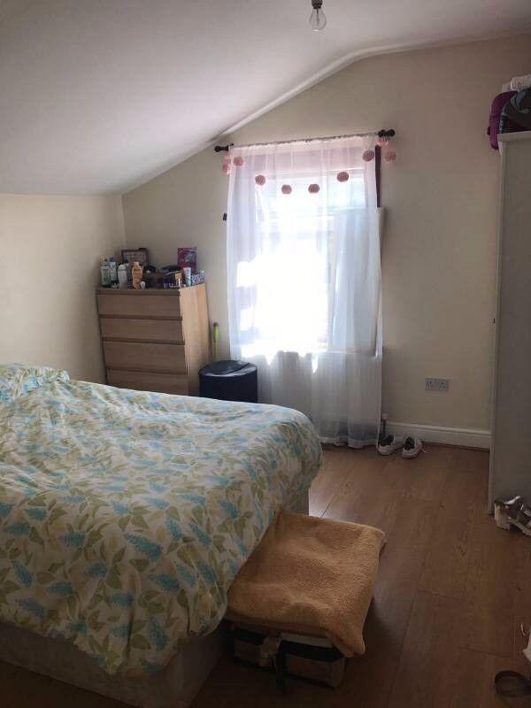 NO AGENCY FEE room near Shoreditch 07376321957