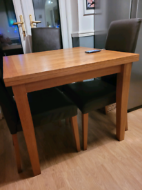 Dining room table seats upro 8