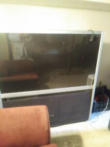 "FREE TV - 56"" projection screen Toshiba"