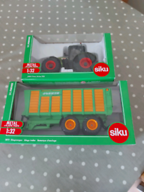 Siku 1:32 Claas Tractor & Trailer.