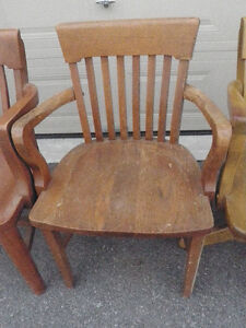 4 SOLID ANTIQUE WOODEN CHAIRS $ 125 Kingston Kingston Area image 2