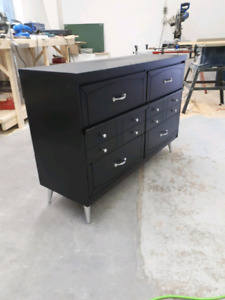 Wooden 6 Drawer Dresser